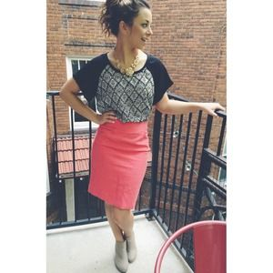 ✖️SOLD✖️J. Crew Coral Pencil Skirt