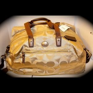 SOLD!! 🍒STUNNING COACH LUGGAGE! SOLD🍒