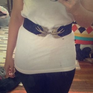 Gold Sparrow Clasp Belt