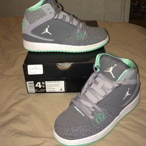 82ca67962304 Jordan Shoes - Jordan 1 Flight mint green gray white