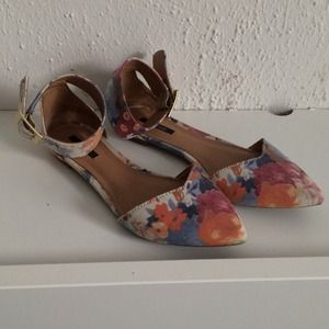 Forever 21 Shoes - Floral Pointed Toe Flats