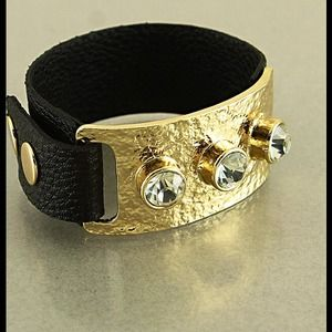 Jewelry - VIBRANT GOLD, SWAR CRYSTAL, & BLK LEATHER COMBO