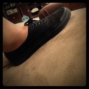 Black Vans ; Size 9.