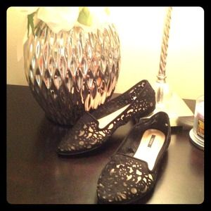 Black Ballet Flats, Pointed Toe. Lace outlay