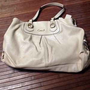 af4e74cd6325 Coach Bags - Cream COACH purse