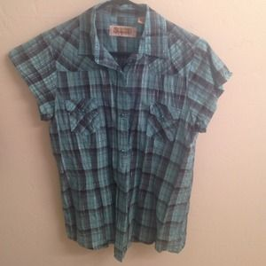 Blue button up western style top