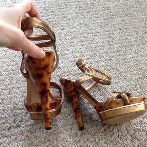 78af2140c5562 Gucci Shoes -  1290 runway gucci orchid tortoise bronze heel 6