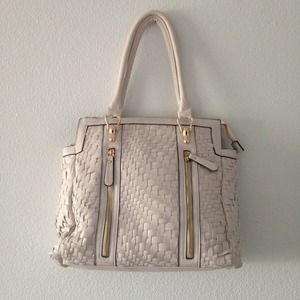 Melie Bianco Bags - ❎SOLD❎  White vegan leather woven purse 1