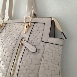 Melie Bianco Bags - ❎SOLD❎  White vegan leather woven purse 2