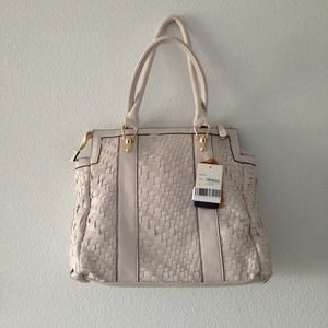 Melie Bianco Bags - ❎SOLD❎  White vegan leather woven purse 3