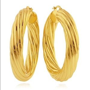 Jewelry - Fluted Twist 18kt Gold Hoops