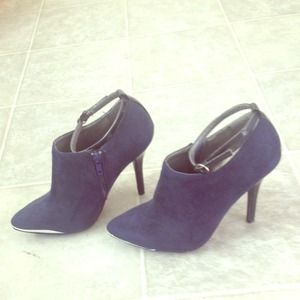 Shoedazzle Shoes - Navy blue booties