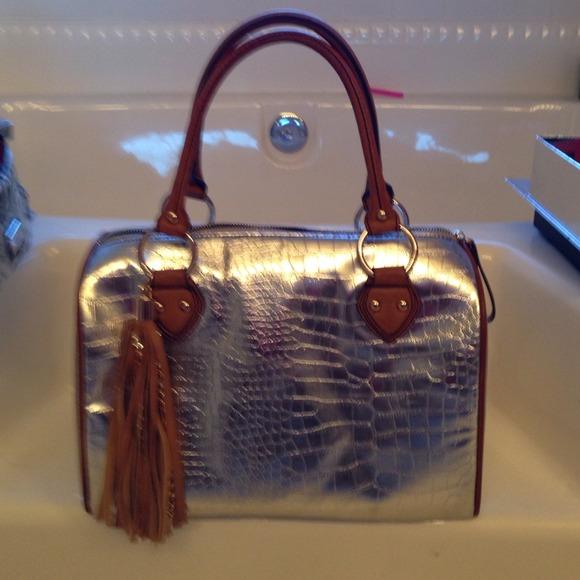 imoshion Handbags - Imoshion silver purse handbag 968bee6842