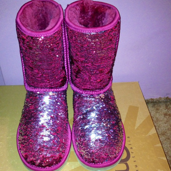 Pink Sparkle Uggs. RARE color!