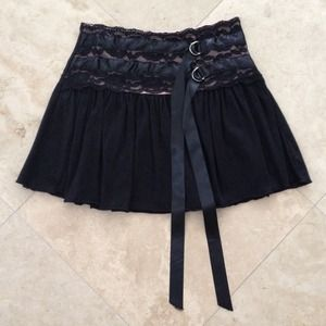 ⬇️WAS $15⬇️ Black lace skirt