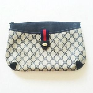 HP 4/12  Authentic Vintage Gucci Clutch