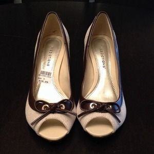 Shoes - Open toe pump with ribbon