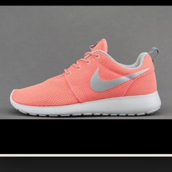 f98b3b3e M_53d9aeb89b7be912ab01d823. Other Shoes you may like. Nike Air Max Thea 7.5