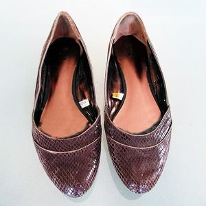 Brown Faux Alligator Texture Flats
