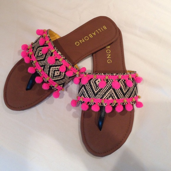 3111a9a8dd9c Billabong Shoes - NWOT Billabong Pom Pom Sandals