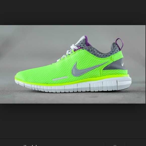 Brand new nike free OG breeze