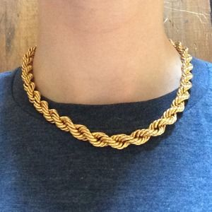 Jewelry - Vintage Rope-like Necklace