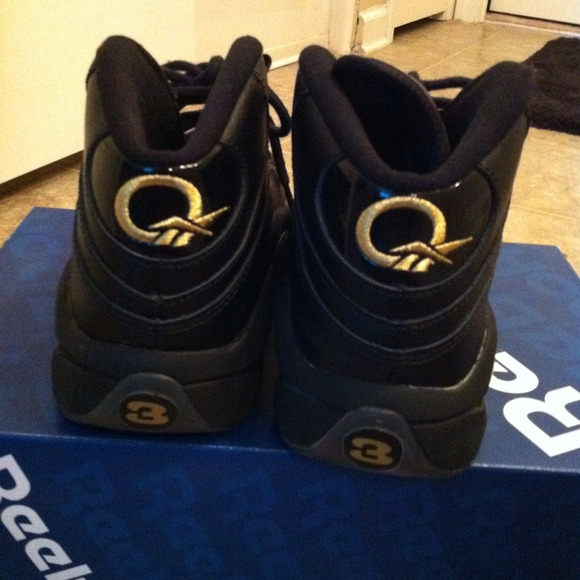 40 reebok shoes mid reebok black and gold questions