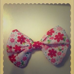small flower print hair bow