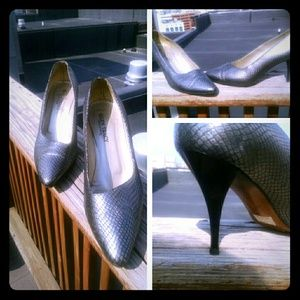 VINTAGE SHOES BY ELLENTRACEY