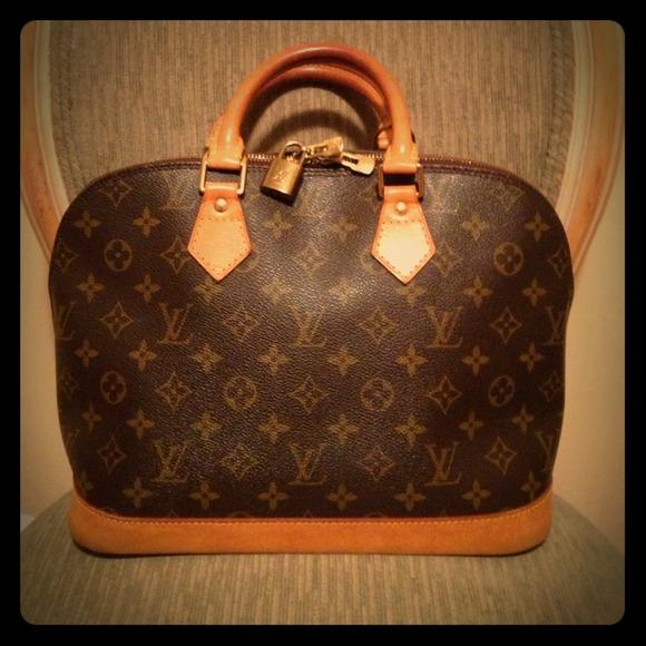 Louis Vuitton Bags   Soldauthentic Monogram Alma   Poshmark 90ff481700