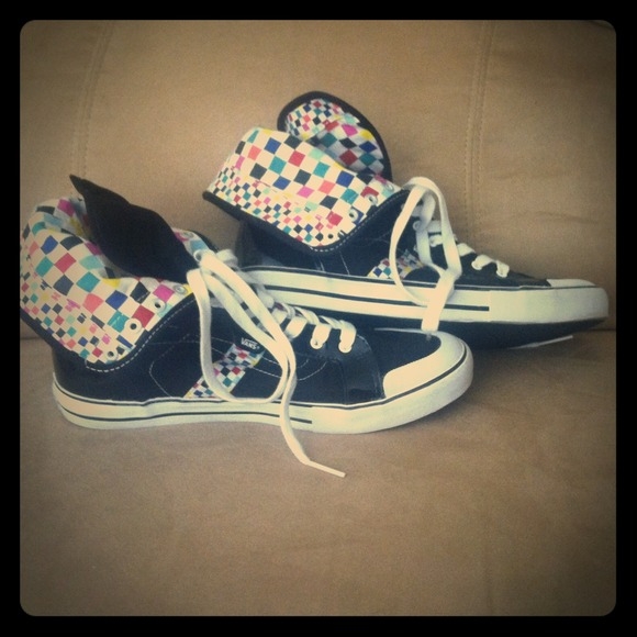 411205d8 Vans High Tops Multi-Colored
