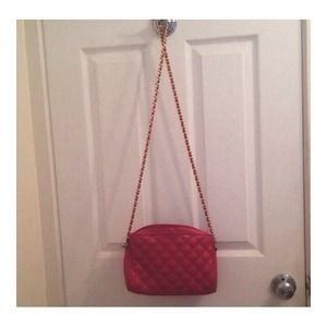 Pink strap purse (slightly used)