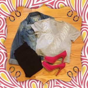 Tops - 🌟HP 8/1🌟Light Gray Metallic Flare Shirt