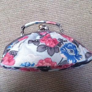 Beaded purse good size with a handle