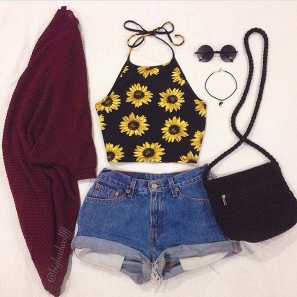 326a31823550c Forever 21 Tops - Sunflower crop top 🌻
