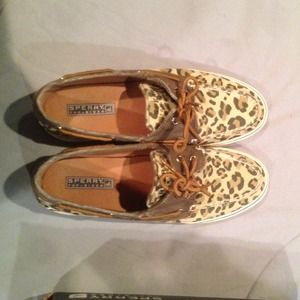 Sperry top-sider leopard print shoes.