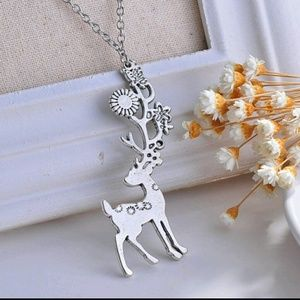 NWOT Floral Deer Buck Adjustable Bambi Necklace