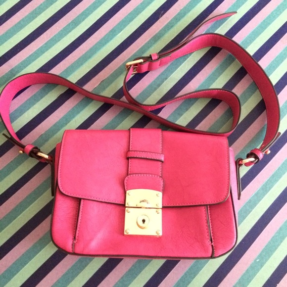 Melie Bianco Handbags - hot pink bag 👛