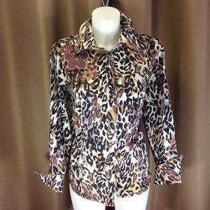 Tops - Animal print shirt with embroidery