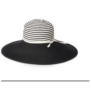 Giovannio Wide Brim Hat in Black/OffWhite.