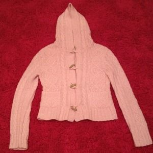 Comfortable light pink sweater