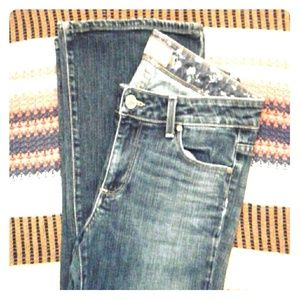 Paige jeans Hollywood Hills sz 30 BEAUTIFUL Cond.