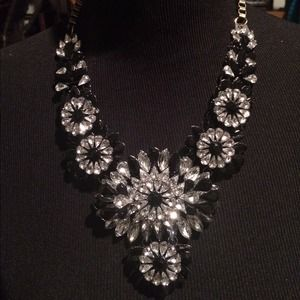 Brand new mixed crystal bib statement necklace