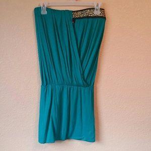 Dresses & Skirts - Strapless green dress