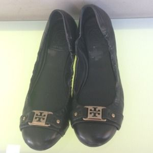 Tory burch flats black gold