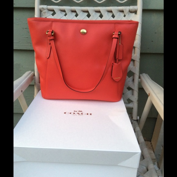 NWT Coach Peyton Leather Zip TOP Tote Handbag RED