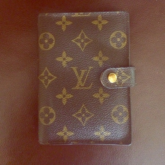 Spot a Fake Louis Vuitton Belt - Quick Tips