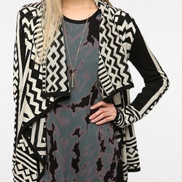 Urban Navajo Outfitters from cardigan Urban print Sweaters Outfitters tBrdChQsxo