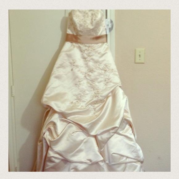 13 off oleg cassini dresses skirts wedding gown style for Oleg cassini champagne wedding dress