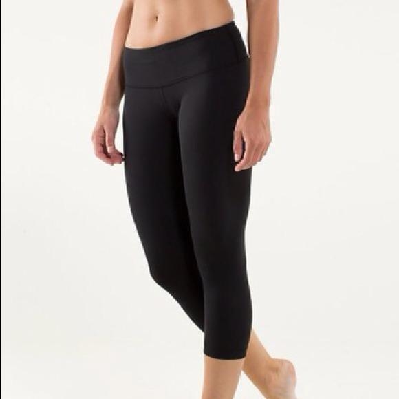 48a30c7861 lululemon athletica Pants - Black Lululemon reversible cropped leggings!